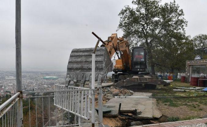 Uludağ yolundaki kaçak kafetarya yıkıldı