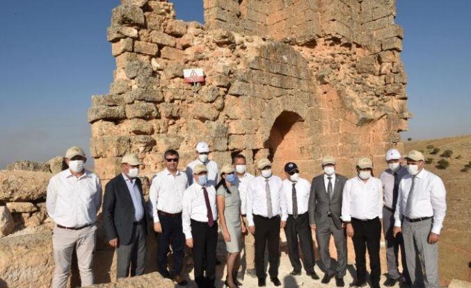 Bölge üniversitelerin rektörleri Zerzevan Kalesinde buluştu