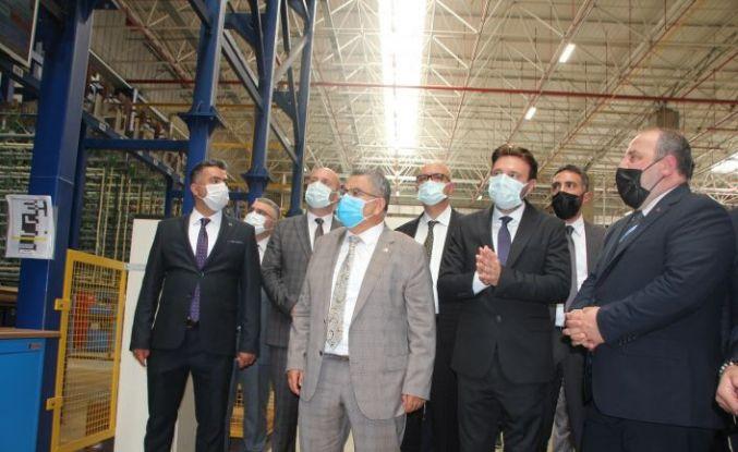 Bakan Varank'tan otomotiv sektörüne iç ve dış dekoratif parçalar üreten fabrikaya ziyaret