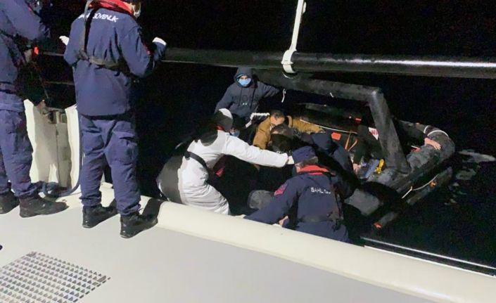 7 düzensiz göçmen kurtarıldı