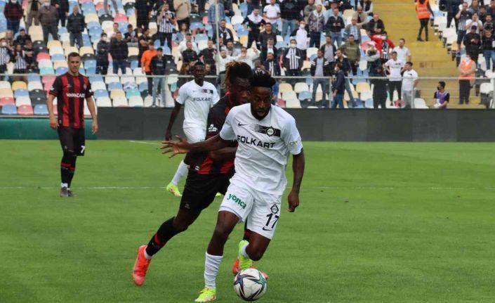 Süper Lig: Altay: 0 - Fatih Karagümrük: 1 (İlk yarı)